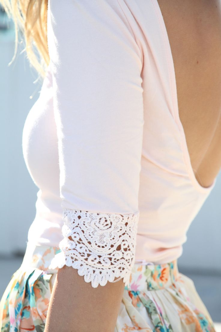 Inspiration picture ❥ Embellish simple tops by adding crochet lacy cuffs on the sleeves