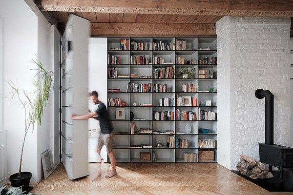 Een boekenkast als verborgen deur naar de slaapkamer