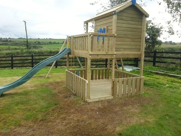 Playhiuse with balcony heavy duty extra large raised for Cheap outdoor playhouses