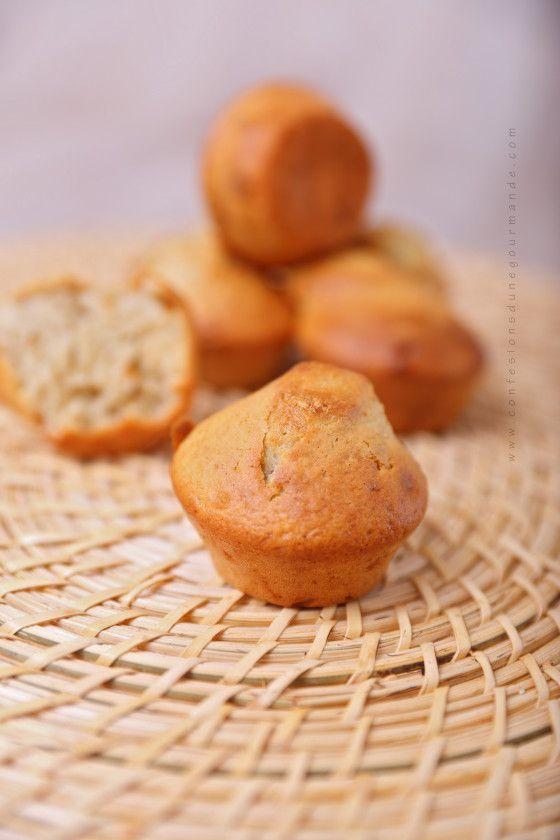 Muffins à la compote : http://www.confessionsdunegourmande.com/article-muffins-a-la-compote-121324355.html