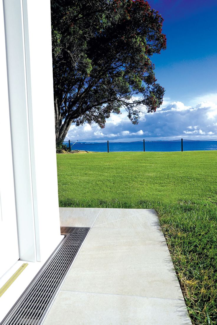 Canterlever level threshold at a domestic residence with