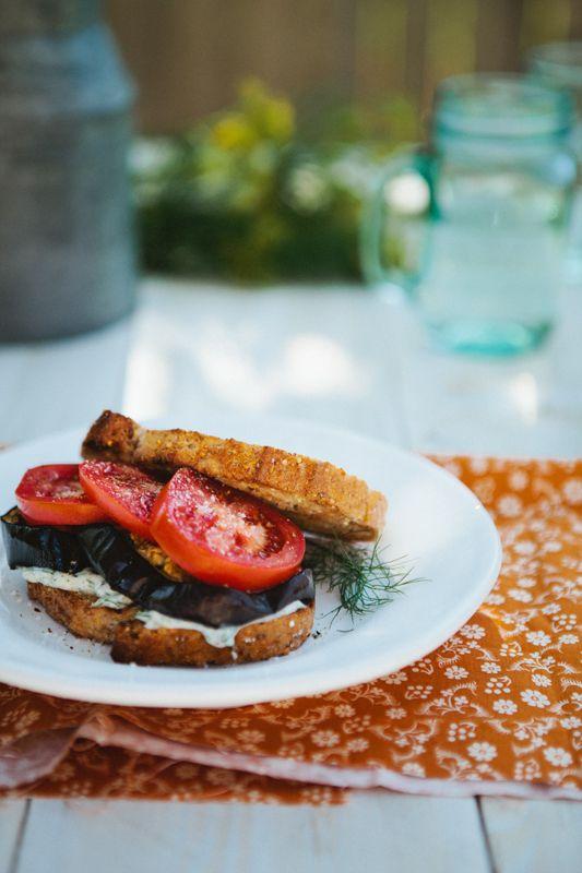 Светопись будней: Бутерброд с запеченными баклажанами