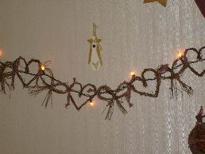 Hearts & bows garland w/silicone dipped light strand~6' long~$28