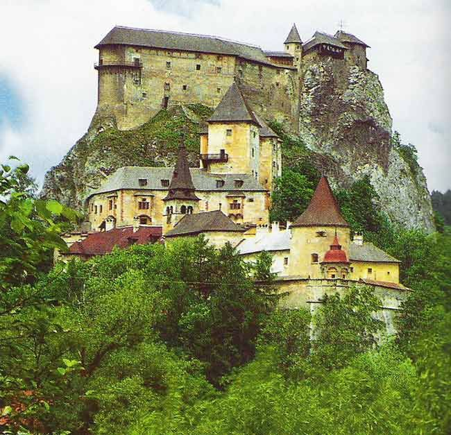Orava Castle, Oravský Podzámok, Slovakia. The castle was built in the Kingdom of Hungary in the thirteenth century. Many scenes of the 1922 film Nosferatu were filmed here, the castle representing Count Orlok's Transylvanian castle. (V)
