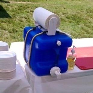 Hand washing station, for camping. Old laundry bottle. GENIUS. - yoodot | yoodot