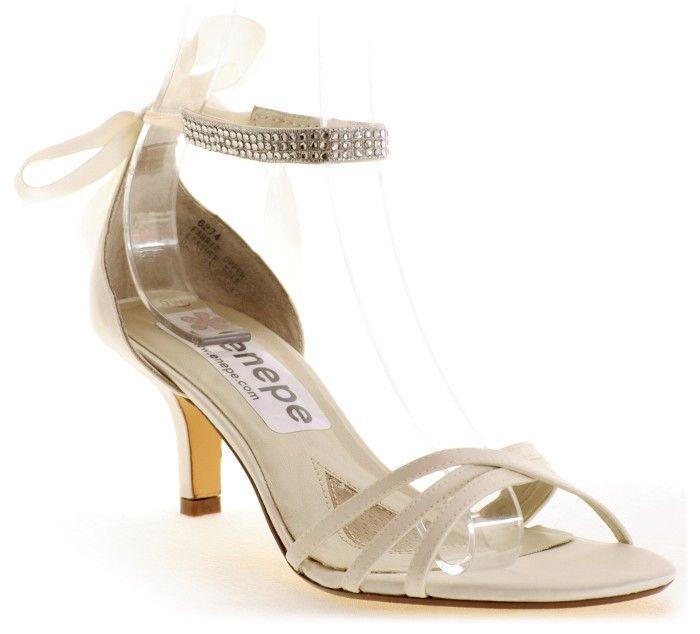 70 best modelos de zapatos modernos images on pinterest for Modelos de zapateros modernos