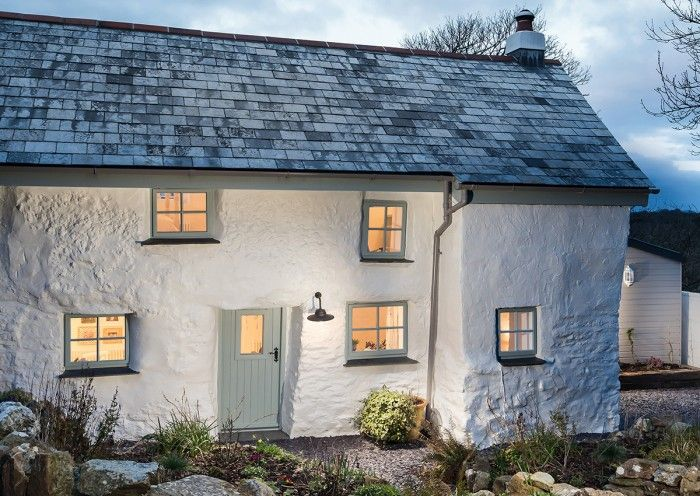 Tour this picture-perfect Cornish cottage
