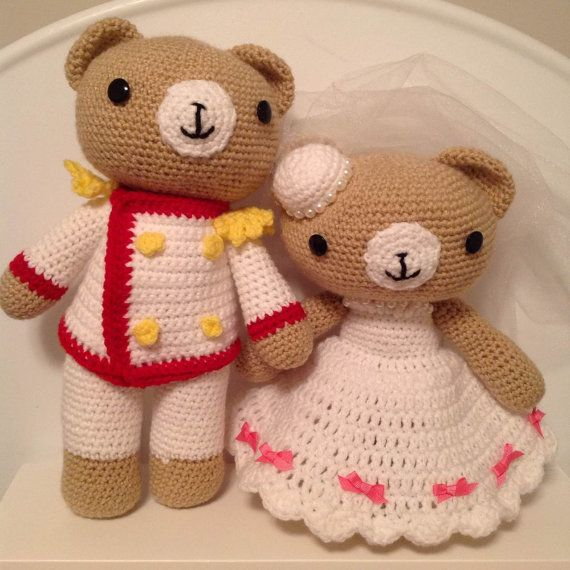 Hey, I found this really awesome Etsy listing at https://www.etsy.com/listing/185543841/crochet-wedding-bear-couple-pdf-pattern