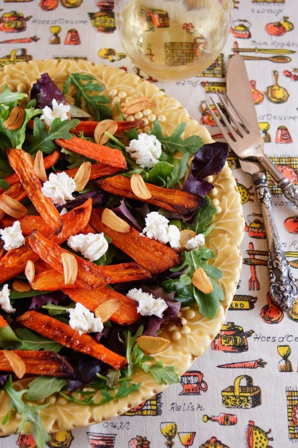 Roasted Carrot Salad with Arugula, Goat Cheese and Crispy Garlic Chips / Patty's Food