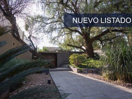 Casa Yuca, abrazada a un árbol Villas del Mesón, Juriquilla  VENTA  + Información: sothebysrealty.com/id/ebxk7w Oficina: +52 (442) 245.61.62  #Sotheby´s #México #Querétaro #Juriquilla #casasenventa