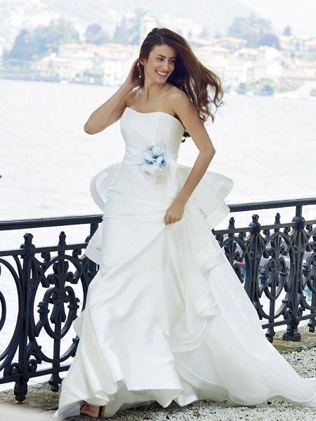 グランマニエ(GRANMANIE) 銀座 【ジャクリーン・ビセット】アクセントカラーのサムシングブルーで清楚な花嫁に