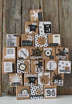 Muy lindo y concentrado calendario adviento con fondo papel kraft y decoraciones y numeros en blanco y negro. Leer articulo.