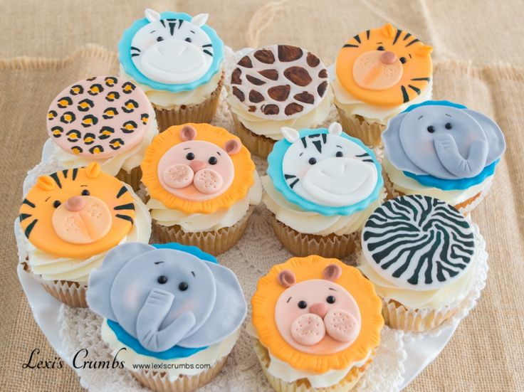 Wild animal cupcakes www.lexiscrumbs.com