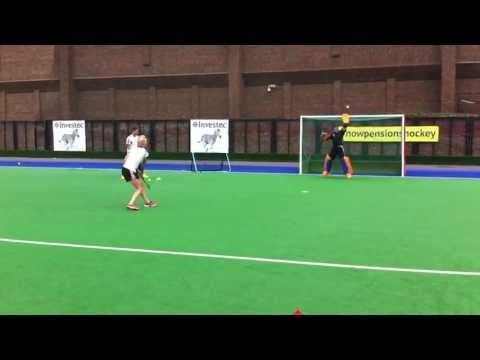 This goalkeeping training drill was designed to train the speed and reaction of the goalie. Maddie Hinch is the goalkeeper