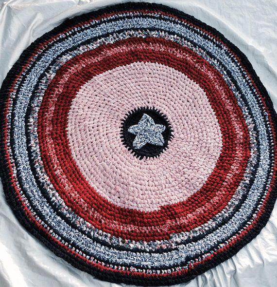 Texas American Flag Round rag rug. Red white blue. Lone Star  #lonestarstate #TexasRug #TXrug #PatrioticHomeDecor #redwhiteblue #americanstyle #machinewashablerug #ToothbrushRagRug