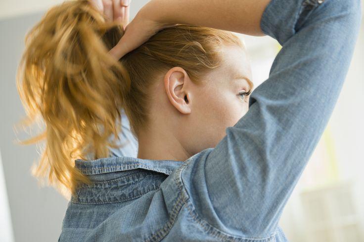 Így nem teszi tönkre a hajgumi a tincseidet