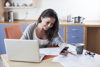 These work-at-home medical call center jobs are mostly for RNs, but there are a few CSR jobs that hire LPNs and others with a medical background.