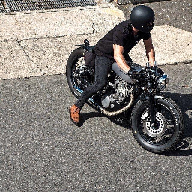 25 melhores ideias de pneu para moto no pinterest pneu scooter moto pra vender e motocicleta. Black Bedroom Furniture Sets. Home Design Ideas