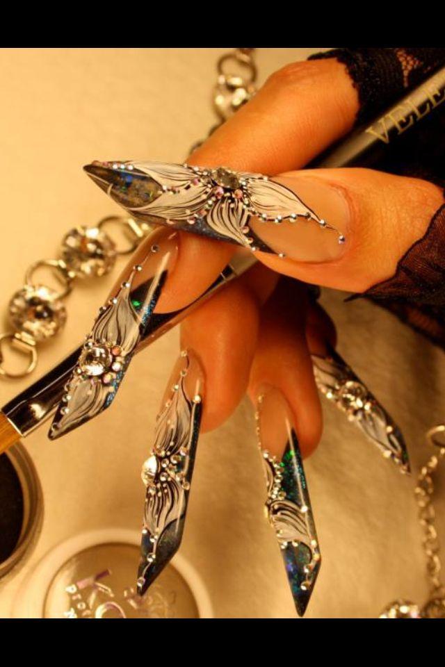 Edge acrilic nails  Uñas forma pirámide