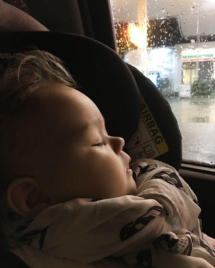 Sleeping ängel on our way home new years eve 2018