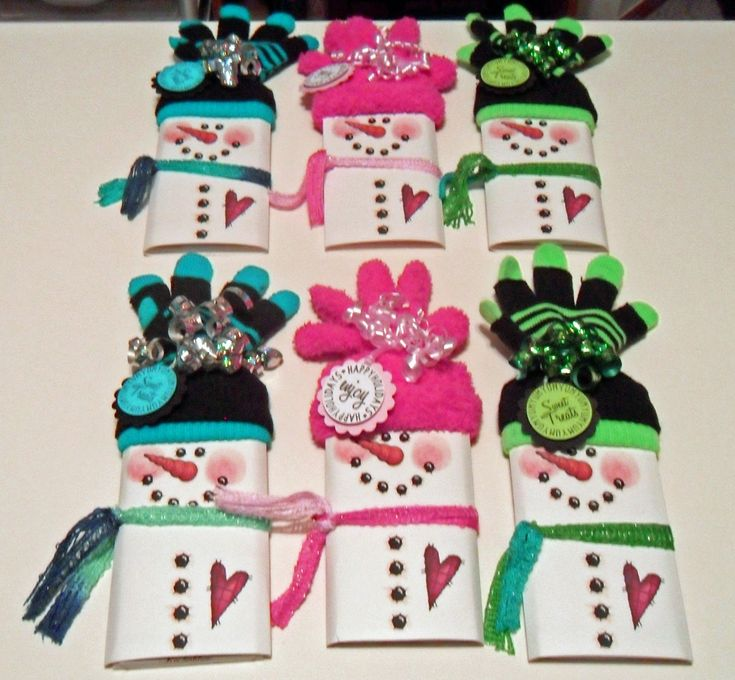christmas candy bar wrappers using socks for hat | saw these Snowman Candy Wrappers last year on one of the blogs and I ...