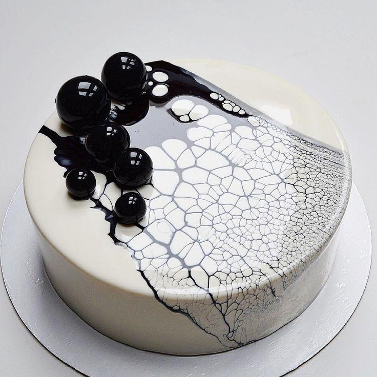 """Polubienia: 3,218, komentarze: 63 – Торты и десерты Туапсе (@lenichka8) na Instagramie: """"Добрый день! Черно-белый торт перед вами) очень люблю контрастные  и немного агрессивные торты, но…"""""""