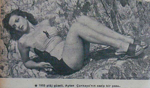 """Ayten Çankaya ~ Tepebaşı Kız Sanat Enstitüsü'nde okudu. 1953'de Plaj Güzellik Kraliçesi seçildi. Aynı yıl içinde Muammer Karaca Tiyatrosu'nda """"Cibali Karakolu"""" oyunuyla sahneye çıktı. """"Türkan Sultan ve Köroğlu"""" filminde oynadı. Muzaffer Tema ile evlendi. Bir dönem Türk Sinemasının önde gelen oyuncuları içinde yer aldı."""