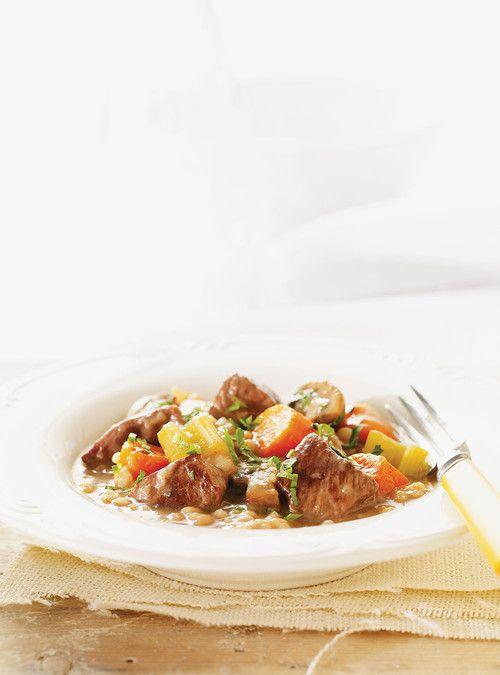 Mijoté de boeuf aux légumes et à l'orge Recettes | Ricardo