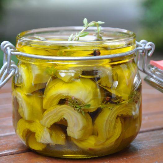 Les artichauts violets à l'huile d'olive