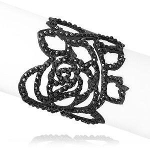 Bracelet en cuir ajouré avec strass en forme de roseet deux crans de fermeture par bouton pression