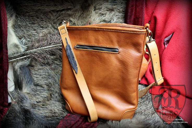 Leather hand-sewn bag for ladies. www.facebook.com/pkk.reko