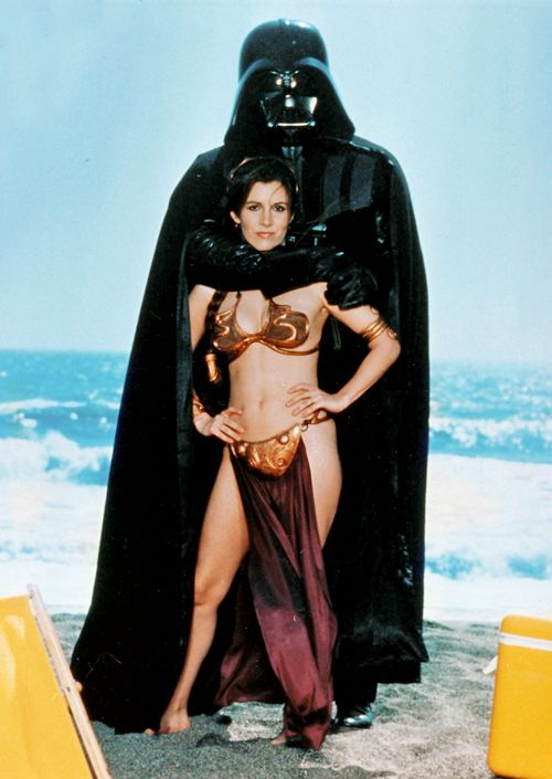 Family photo on the beach - Princess Leia and Darth Vader - Star wars