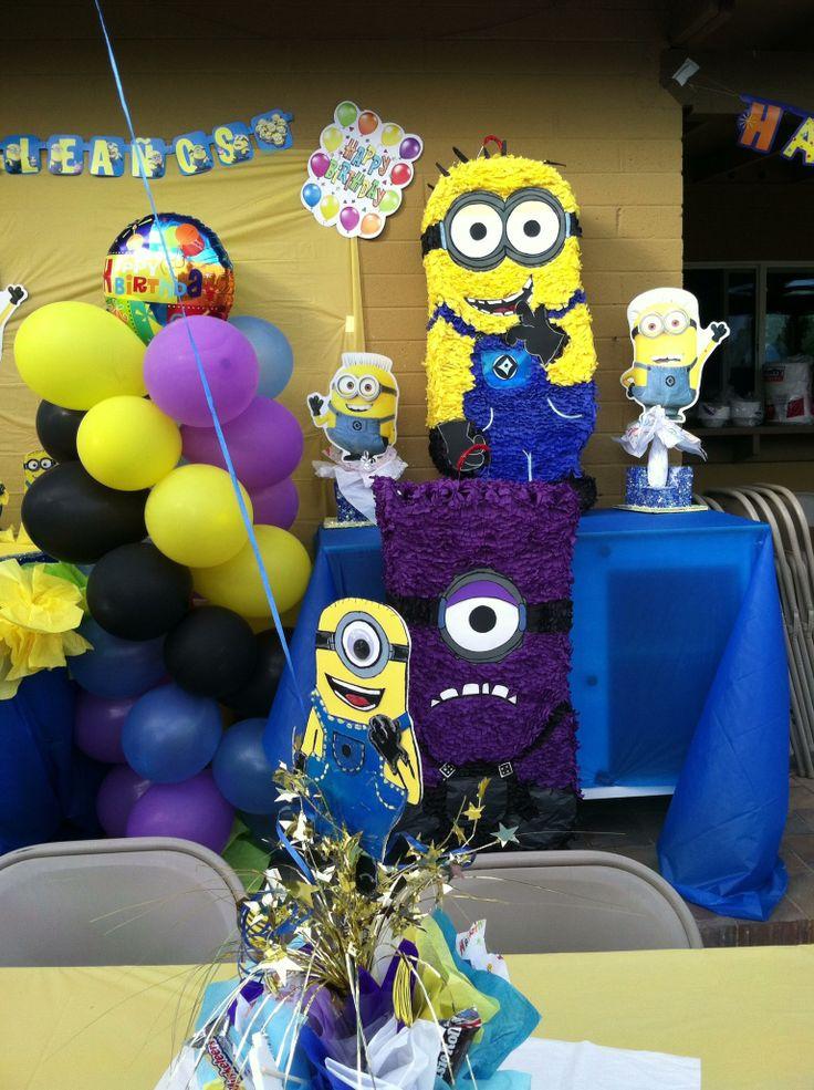 Decoraciones y piñata de los Minions