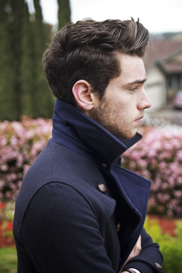 Popped collars on shirts = no. But on a coat? Yes please.