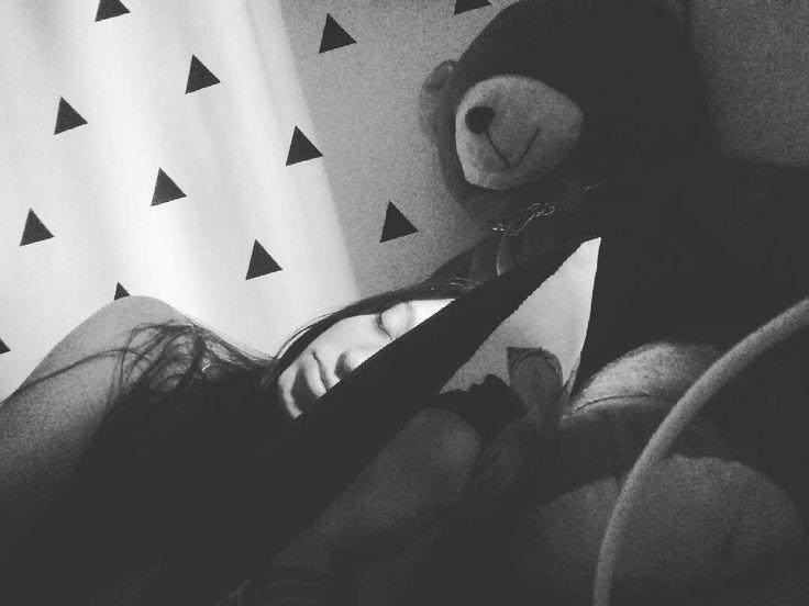 Instagram.: @LeticiAlmeidaM, 20, Brazilian