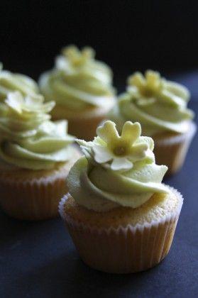 Mini primrose on green cupcakes