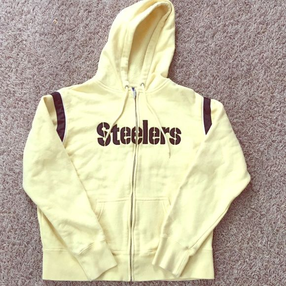 ❗️PRICE DROP❗️ Steelers hoodie. One of my favs. Just never wear it anymore. Gently loved, but still in great condition. (Don't low ball me. My prices are already low. Keep offers responsible.) Reebok Tops Sweatshirts & Hoodies