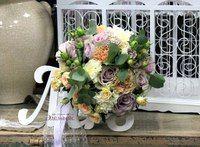 """Арт-студия  цветов """"Эдельвейс"""" Еще букеты невесты в теме осени. Невероятно красивые. Девочки невесты делайте свой выбор. Флористы нашей студии очень любят общаться, предлагать и еще больше любят делать букеты для невесты, я просто знаю, что в их работе есть капелька своей души, что бы Вам понравился букет и принести массу удовольствия в день свадьбы. Образ, букет и фотография это, то, что останется на долгую память. Фотограф Вам отдает печать с фотографиями, на ней жених, невеста и букет…"""