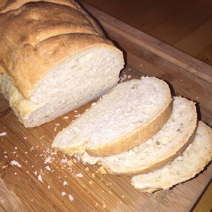 Dieses Brot haben wir gestern bei Chefkoch gefunden, ausprobiert und für gut befunden. Hier das Rezept für 2 Laibe: 1kg Weizenmehl 600 ml Wasser 1/2 Würfel Hefe 20 g Salz 2 EL Brotgewürz (Kümmel, F…