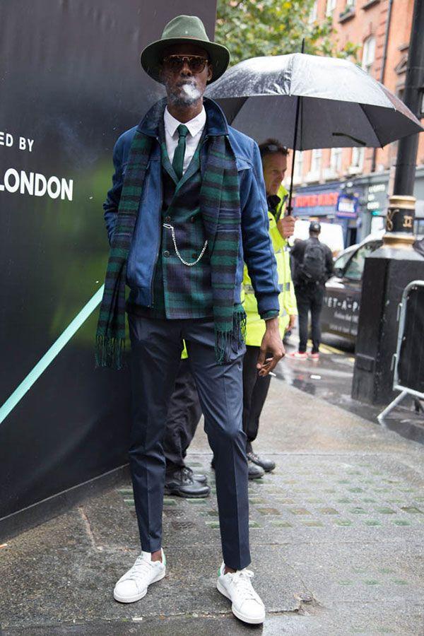 2015-12-31のファッションスナップ。着用アイテム・キーワードはサングラス, シャツ, ジャケット, スラックス, ダブルジャケット, チェックジャケット, ネクタイ, ハット, ブルゾン, マフラー・ストール,アディダス(adidas)etc. 理想の着こなし・コーディネートがきっとここに。| No:134622