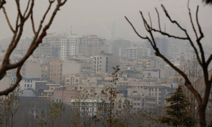 http://www.faz.net/aktuell/gesellschaft/irans-hauptstadt-teheran-schliesst-schulen-wegen-smogs-13975937/smog-ueber-teheran-13975941.html