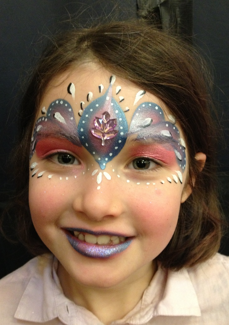 Face Painting Using Split Cakes
