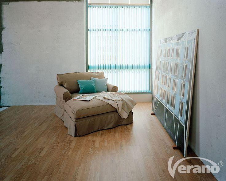 Ook in een #industrieel #interieur komt de kleur #blauw prima tot zijn recht.