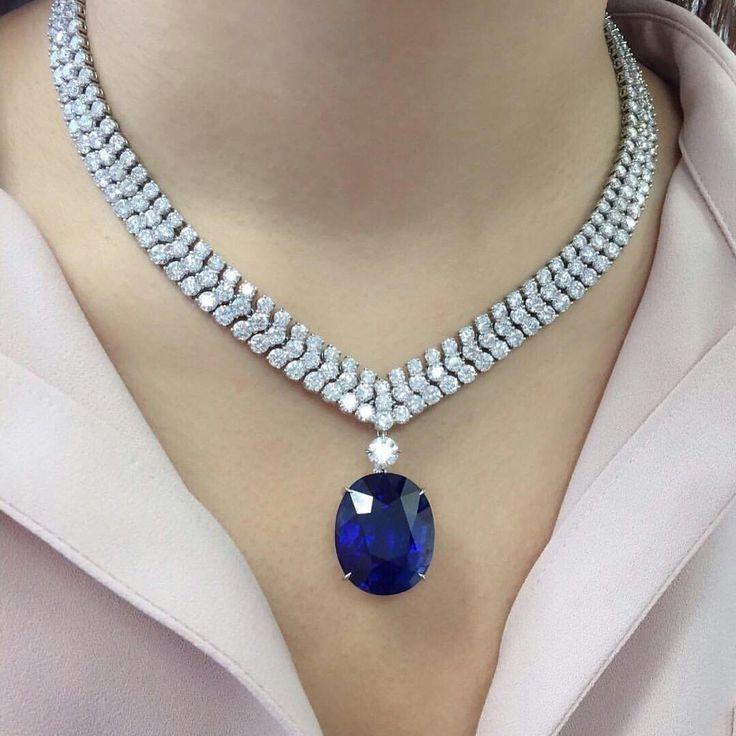Diamond Necklaces : This stunning Burmese sapphire…