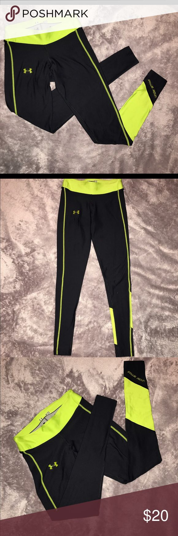 Under Armor Compression Leggings Worn a handful of times. It's way too small for me now unfortunately. Good condition 👍🏽 Under Armour Pants Track Pants & Joggers