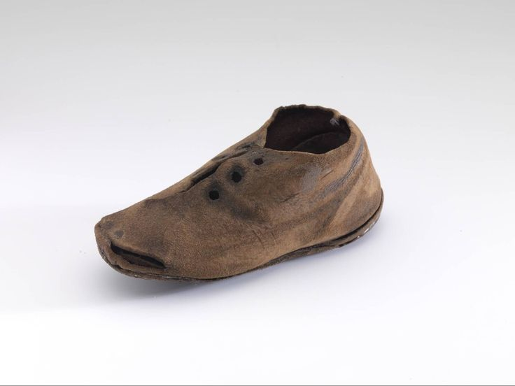 kids shoe, from Dordrecht, the Netherlands, 1500 - 1600 Museum Boijmans Van Beuningen
