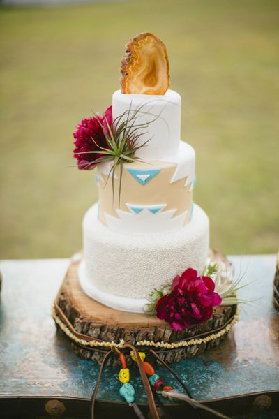 Southwestern cake with a geode topper | Sara & Rocky #wedding