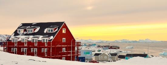 Qaasuitsup Municipality, Greenland: Hotel Avannaa has a splendid view over the city and the world renowned Ilulissat Icefjord, now a