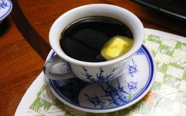 Γιατί ξαφνικά το βούτυρο στον καφέ έγινε μόδα;