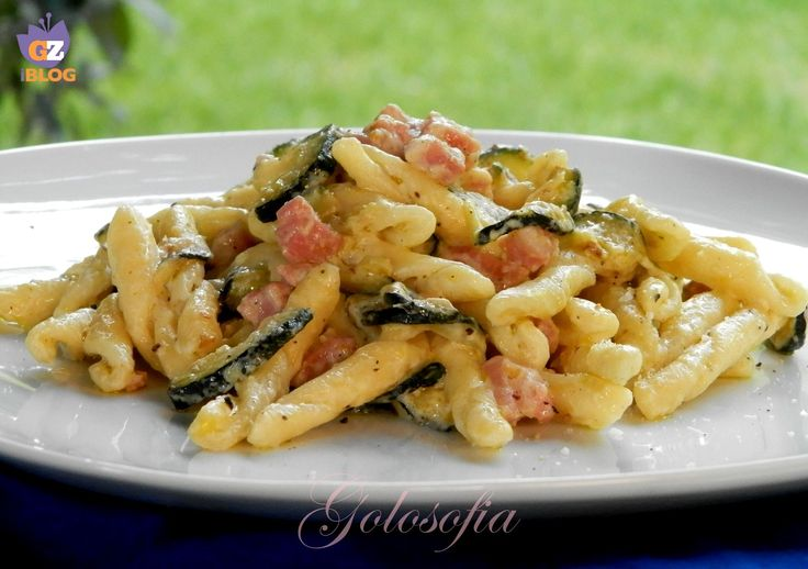 Strozzapreti+con+zucchine,+pancetta+e+philadelphia+ricetta+gustosa+veloce